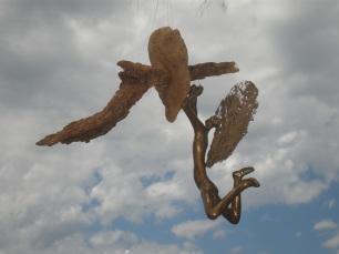 Angel colgada